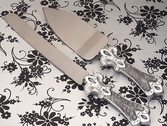 Platinum Fleur De Lis Collection Cake And Knife Set200  Weddings