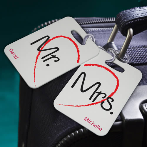 Personalized Couples Heartstrings Luggage Tags (set of 2)200  Weddings