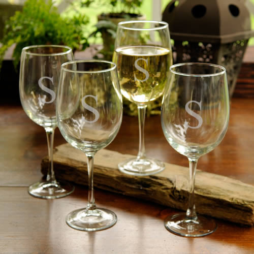 Personalized Set of 4 White Wine Glasses (19 oz)200  Weddings