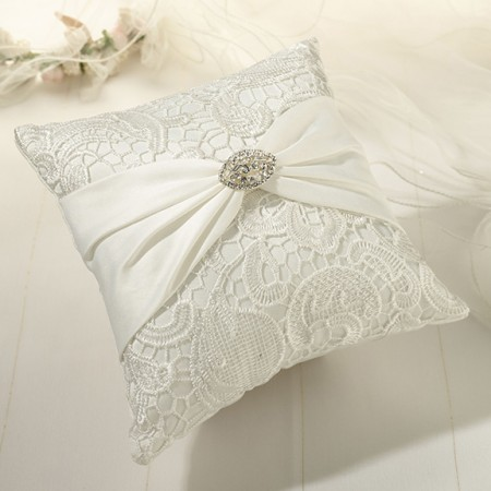 Cream Lace Ring Pillow200  Weddings
