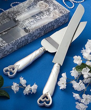 Interlocking Hearts Cake Knife - Server Set200  Weddings