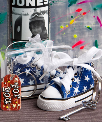 Oh-so-cute Blue Star Print Baby Sneaker Key Chain baby shower favors